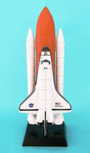 Daron Worldwide Trading E0310 Space Shuttle Full Stack 1/100 Discovery AIRCRAFT