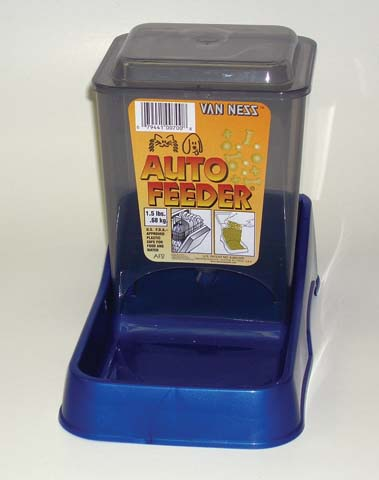 Van Ness Plastic Molding Auto Feeder 1.5 Pounds - AF2