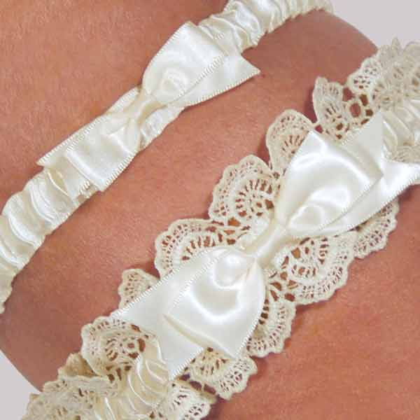 Cathys Concepts 3056I Eleanor Lace Wedding Garter in Ivory