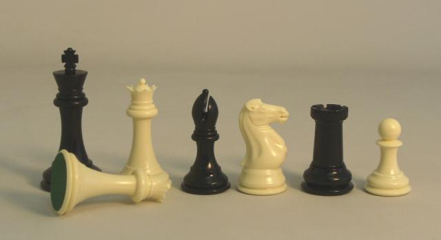 CNChess 95404 4 in. Triple Tournament Chessmen