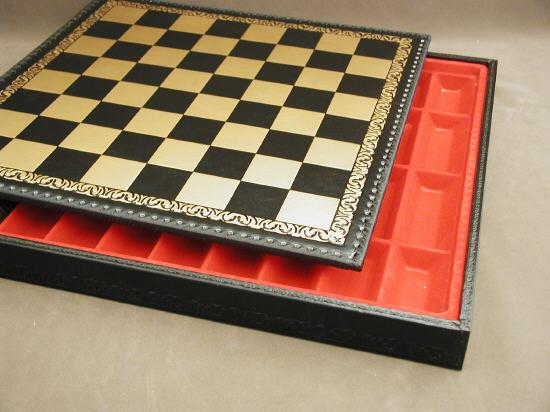 Ital Fama 221GN Pressed Leather Chess Board and Chest