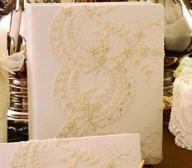 Ivy Lane Design A01120MB/WHT Victorian Memory Book in White