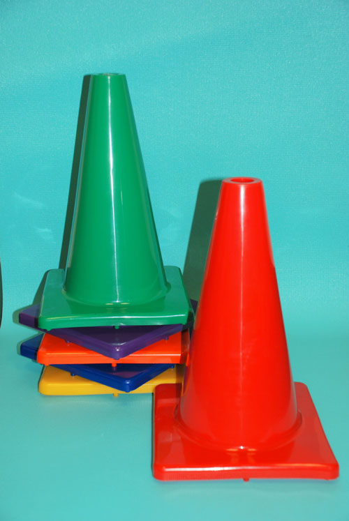 Everrich EVB-0031 12 Inch Vinyl Cone with Square Base- Pack of 6