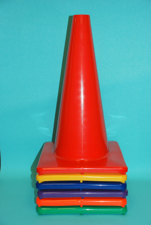 Everrich EVB-0032 18 Inch Vinyl Cone with Square Base